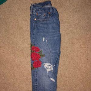 Levi's boyfriend flower jeans